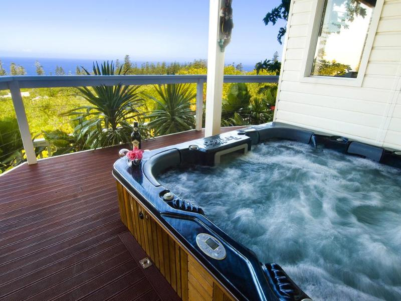 Outdoor Jacuzzi/Spa/Hot Tub - The White House, Norfolk Island-Private Indulgence - Norfolk Island - rentals
