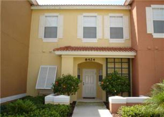 FANTASTIC 3 BED 2.5 BATH TOWN HOME WITH UPGRADED FEATURES IN RESORT COMMUNITY - Image 1 - Kissimmee - rentals