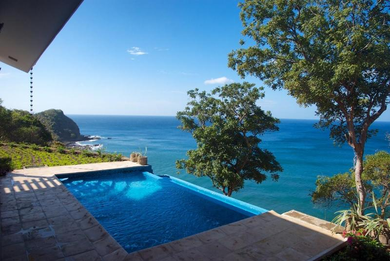 Spectacular views to the south-west - Oceanfront Private house in Rancho Santana - Tola - rentals
