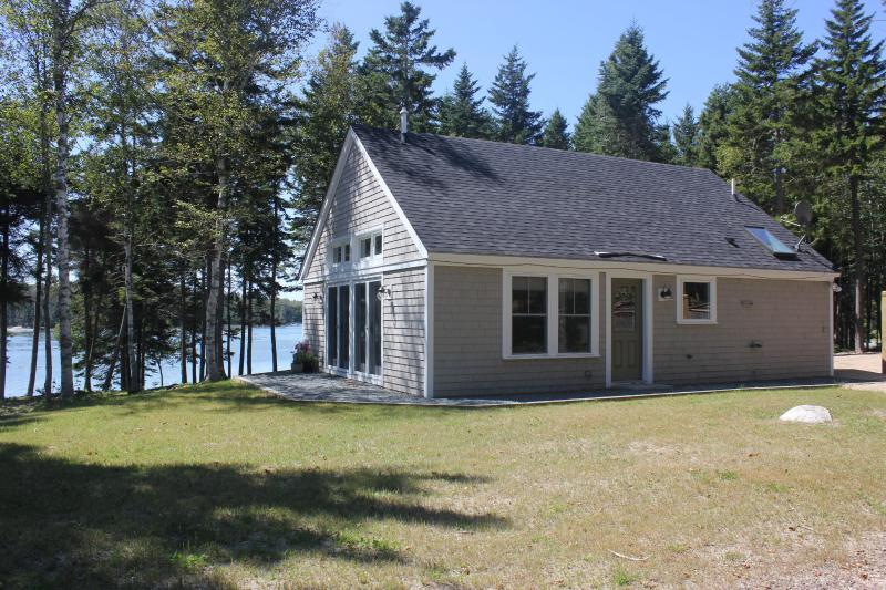 Apple Island Cottage - **COMES WITH 2 KAYAKS** - Image 1 - Stonington - rentals