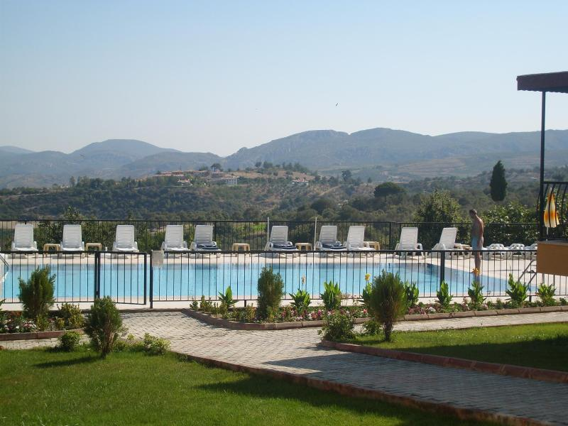 View of Main Pool with Mountain view in the backround - 22 Walnut Grove, Luxury Villa Kusadasi, Sogucak - Kusadasi - rentals