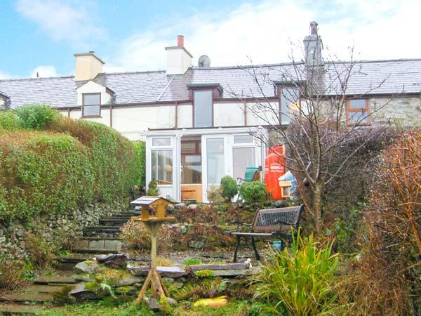 BRYN MORFA, views over countryside to sea, woodburner, garden, in Caernarfon, Ref 17582 - Image 1 - Caernarfon - rentals