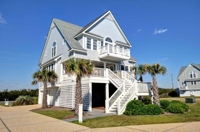 Nantucket Style Piano Key Home - 5BR Oceanfront Home - Hot Tub & Pool. NEW OWNERS - North Topsail Beach - rentals