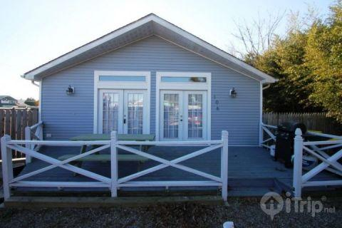 Lone Star Cottage - Charming and Affordable Cottage, 1 Block to the Ocean - Dewey Beach - rentals