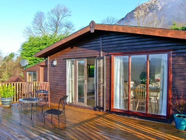 SUMMERTIME LODGE, ground floor, off road parking, spacious decked area, in Rhyd-y-Foel, Ref 17630 - Image 1 - Rhyd-y-foel - rentals