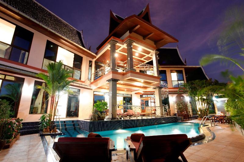 Beautiful Thai-Style Villa With Private Pool !! - Kata Luxury Seaview Villa, Private Pool & Chef ! - Kata - rentals