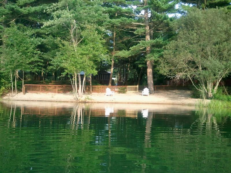 Private Beach - Clear Pond Getaway Plymouth MA - Plymouth - rentals