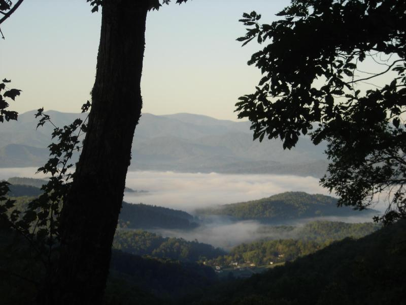 "Above the Clouds - Lookout Mountain Cabin ""Awesome View"" - Franklin - rentals"