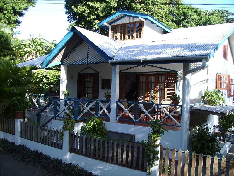 main house - Jemas Guesthouse and appartments - Black Rock - rentals