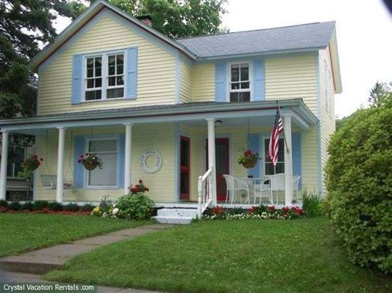 Front View of Home - Quaint Two Family Home in Frankfort - Frankfort - rentals