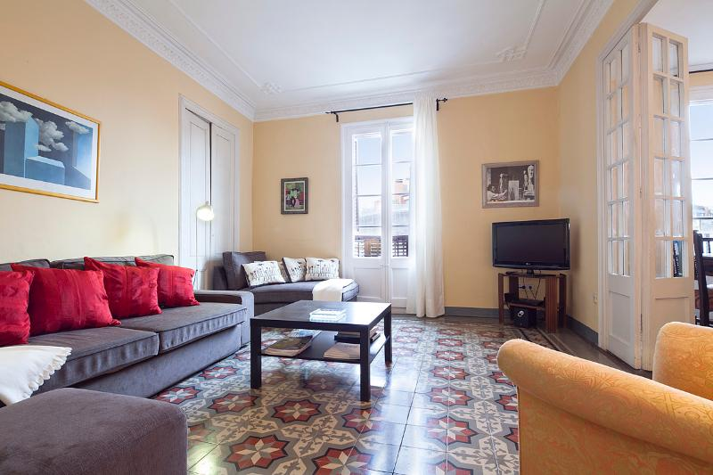 Main Living Area - Centric Unique Bohemian Apartment (3BR) - 15% Off on Late Summer/FALL Booking - Barcelona - rentals