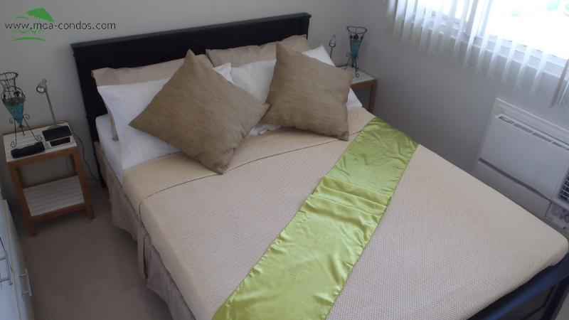 Comfortable full size double bed - The Best Condo @ Sea Residences MOA. Perfect! - Manila - rentals