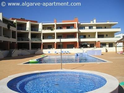 ALGARVE APARTMENT - 2 bed apartment in Meia Praia - Image 1 - Lagos - rentals