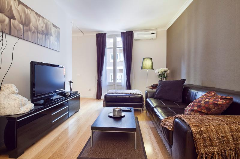 Living Room - Homearound Cozy Paseo de Gracia Apartment (2BR) - 10% OFF on FALL Bookings - Barcelona - rentals