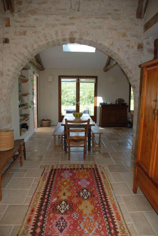 entry hall and dining room - Sunny farmhouse in picturesque Lot River Valley - Calvignac - rentals
