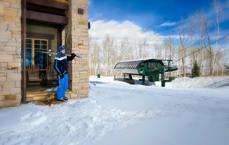 Ground-floor, luxury condo allows you to literally ski out of the front door - Ski-in/out from Front Door! Exquisite 4-br Condo - Park City - rentals