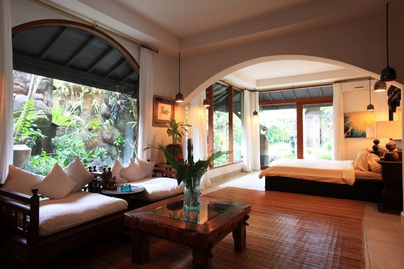 Villa Lylah rooms - Villa Lylah in Legian Near Seminyak - 2 KM to the Legian Beach - Legian - rentals