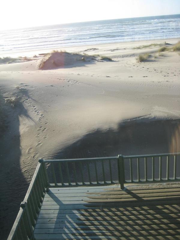 Pacific Chart House sits right on the Beach! - Large Beach House, Sits Right on a Sandy Beach! - Waldport - rentals