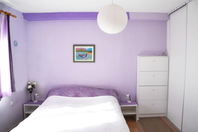 Bedroom with a spacious wardrobe and a vanity - PURPLE DREAM for a great holiday in Dubrovnik! - Dubrovnik - rentals