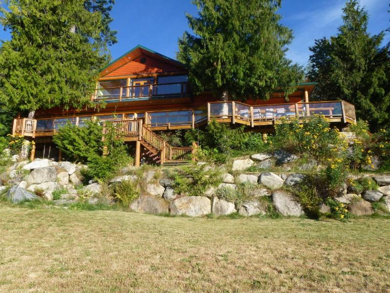 lodge view from lakeside - All Season Waterfront Rentals (weekly) - Nelson - rentals