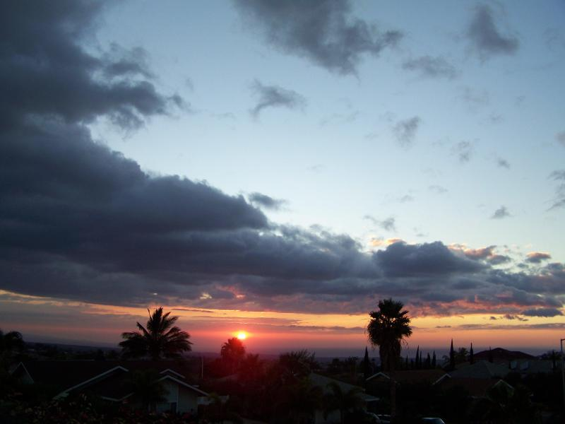 Sunset view from outdoor dining/BBQ area. - Waikoloa Village Studio, Ocean Sunset Views! - Waikoloa - rentals