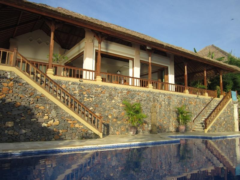 Villa Celagi on the seaside - Luxery Villa Celagi,spacy,on seashore,large pool! - Amed - rentals