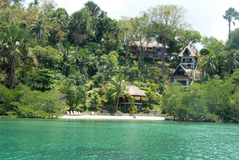 Approach by boat - 5 Bedroom Luxury Villa and Beach in Puerto Galera - Puerto Galera - rentals