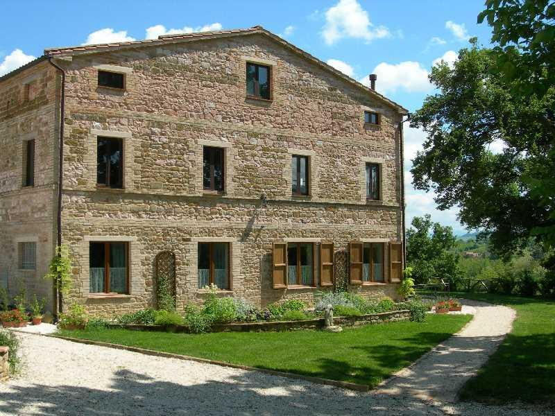 Apartment Vettore is on the ground floor - Tranquil location with stunning mountain views - San Ginesio - rentals