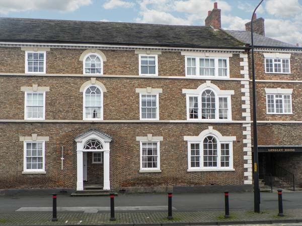 KUSTARD KOTTAGE town centre location, well-equipped accommodation, pet-friendly in Easingwold, Ref 21167 - Image 1 - Easingwold - rentals