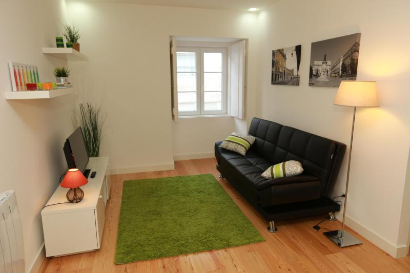 Lisbon Gloria Apartment - in the heart of the city - Image 1 - Lisbon - rentals