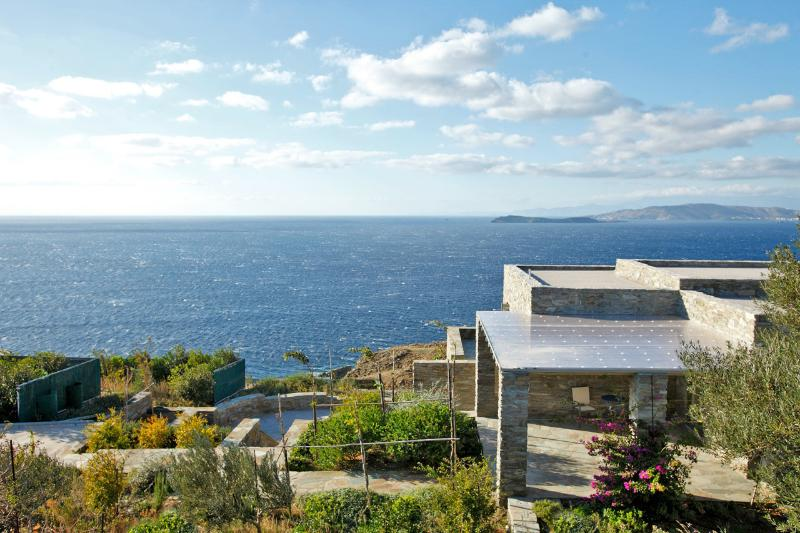 View of the house from the above hill - Family villa for 8, Andros, Aegean islands, Greece - Kato Aprovatou - rentals