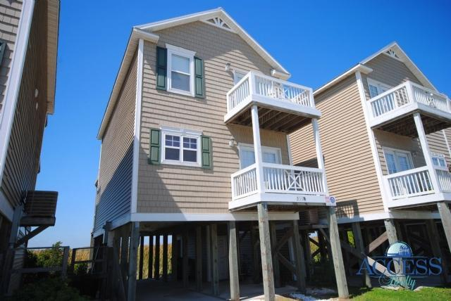 Soundfront single family home, 3 beds, 2.5 baths, just 2 blocks to ocean. Relax & enjoy the waterfront views from 2 decks - Waterfront home, 2 blocks to ocean - Surf City - rentals