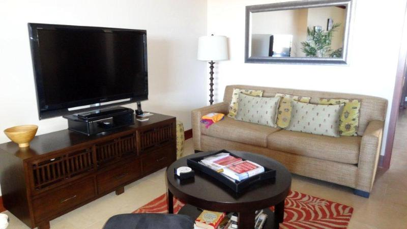 Living Area - Ocean Tower 2 Bedrm Villa with Pool & Ocean View - Ko Olina Beach - rentals