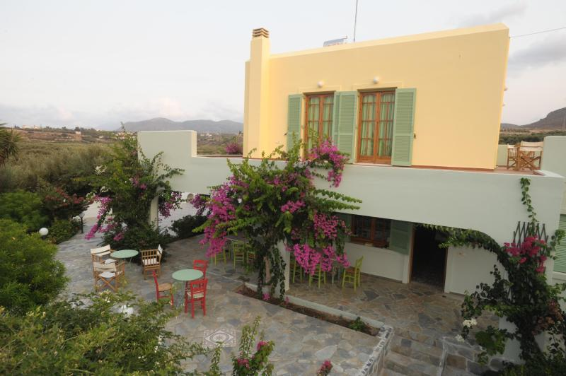 The main house - Traditional Cretan Villa, Close To The Beach - Pitsidia - rentals