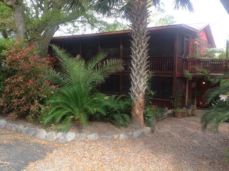 Front view of house - Oceanside on Folly Beach - Folly Beach - rentals