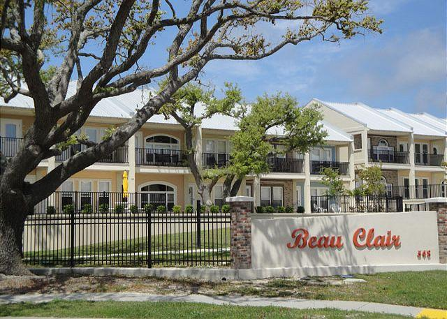 Fabulous 2 bedroom / 2-1/2 bath townhome with Beach View! - Image 1 - Long Beach - rentals