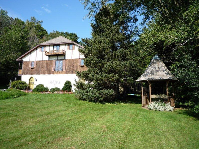 Your Own B&B - Image 1 - Hunter - rentals