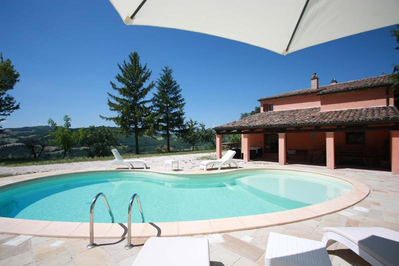 10 sleeps, private pool, 20 minutes from the coast - Image 1 - San Lorenzo in Campo - rentals