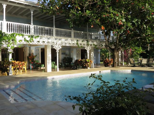 PARADISE PSP -  102137 - VIBRANT | 4 BED | FAMILY VILLA | GORGEOUS PRIVATE SANDY BEACH - DISCOVERY BAY - Image 1 - Discovery Bay - rentals