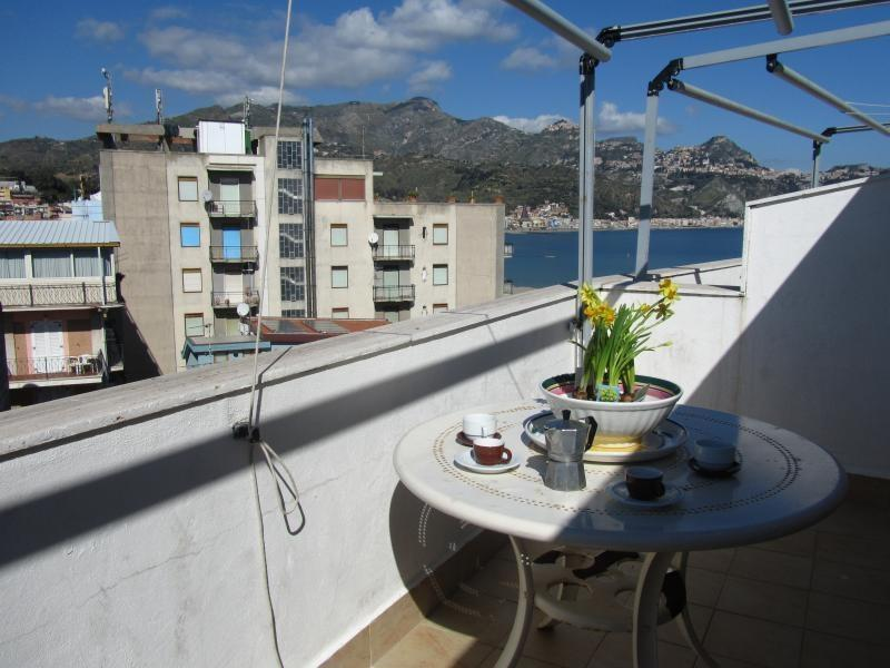 View ove the sea and Taormina - Seafront 1bedroom apartment with breathtaking view - Giardini Naxos - rentals