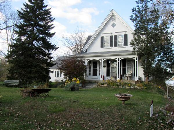 Large Victorian Home Near Nauset Beach (1469) - Image 1 - East Orleans - rentals