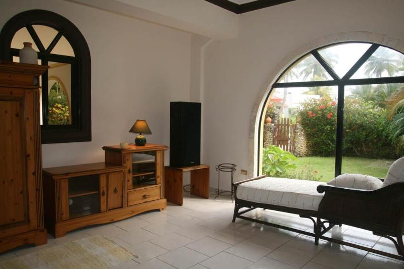 living room - Spacious 3bdr villa just 50 meters from the beach - Cabarete - rentals