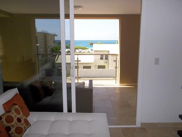 Your balcony with view to the ocean. - Oasis Delight Two-bedroom condo - OS18 - Eagle Beach - rentals