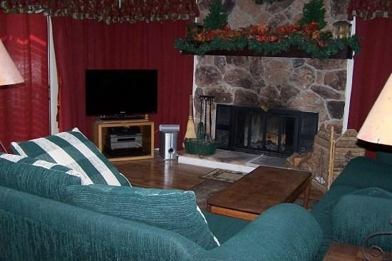 #8 ASPEN Recently upgraded! $185.00-$220.00 BASED ON FOUR PEOPLE OCCUPANCY AND NUMBER OF NIGHTS. (plus county tax, SDI, and processing fee) - Image 1 - Plumas County - rentals