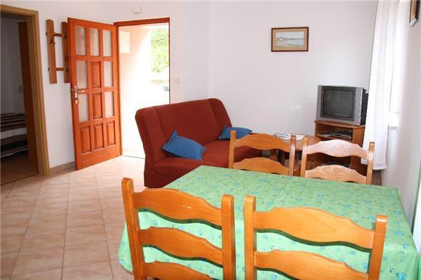 Apartment for 6 persons near the beach in Porec - Image 1 - Porec - rentals