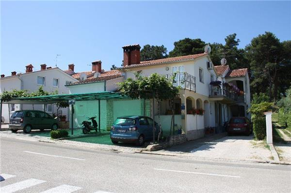 Apartment for 3 persons near the beach in Porec - Image 1 - Porec - rentals