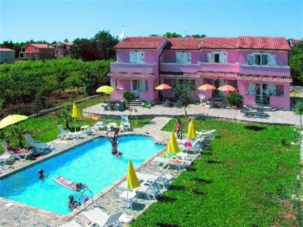 Holiday house for 6 persons, with swimming pool , in Porec - Image 1 - Musales - rentals