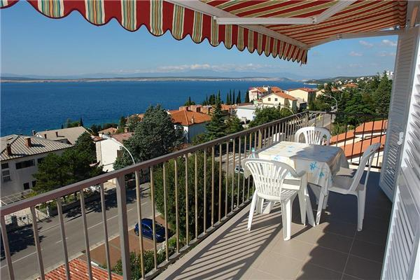 Apartment for 4 persons near the beach in Crikvenica - Image 1 - Crikvenica - rentals