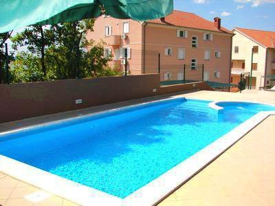 Apartment for 4 persons, with swimming pool , near the beach in Crikvenica - Image 1 - Dramalj - rentals