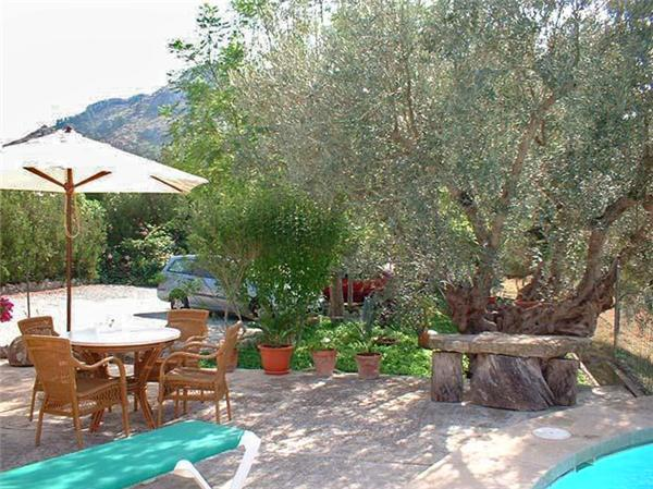Holiday house for 6 persons, with swimming pool , in Alcudia - Image 1 - Alcudia - rentals
